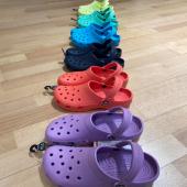 🌈Les Crocs sont arrivées 🌈  Modèle Crocs Classic - 👣du 36/37 au 41/42 - à 🏷40,00€ 📍 Baskets. 28 rue Paul Poirier - Granville